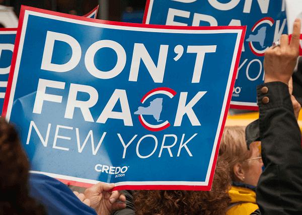 Cartello di protesta contro il Fracking.